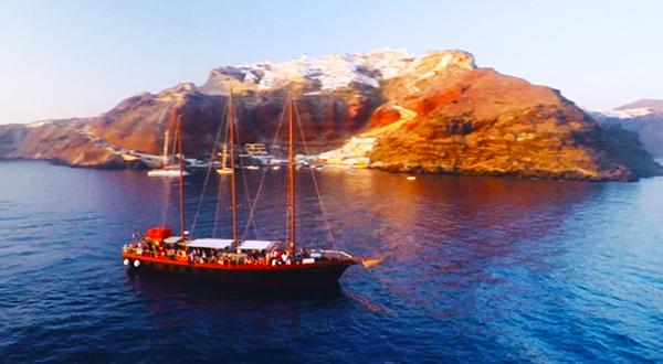 Santorini sailing promo